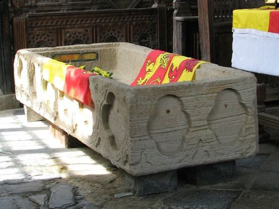 coffin-of-llywelyn-the-great